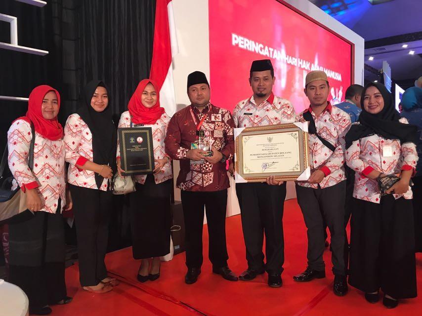 Bolaang Mongondow Selatan Menerima Penghargaan Kabupaten / Kota Peduli HAM Tahun 2016
